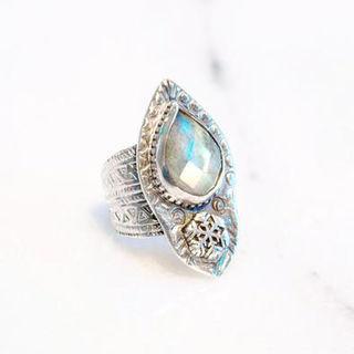 Labradorite Snow Drifter Ring