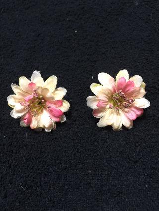 新品お花のイヤリング