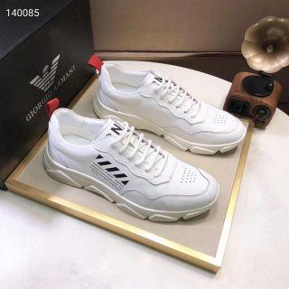 高品質。人気カップル革靴。紳士スニーカー