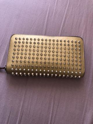 ルブタン 財布
