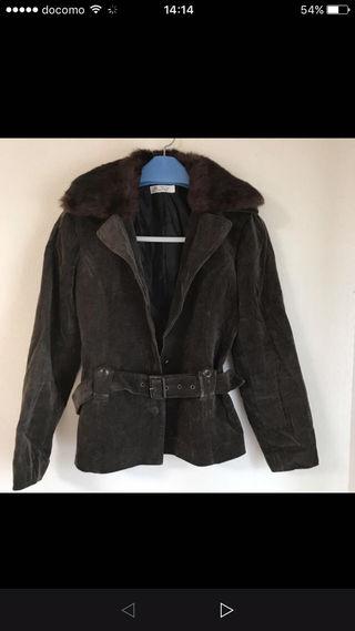 a.v.vのコート
