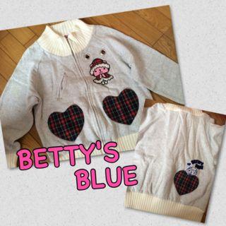 BETTY'S BLUE パーカー