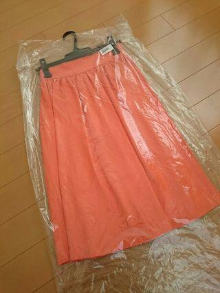 新品タグ付セシルマクビー膝丈フレアスカート オレンジ/M
