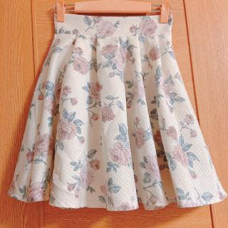 エブリン バラ柄のエレガントスカート
