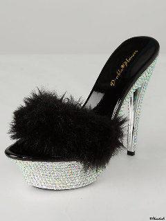 ガラスの靴も作ったブランド*『レネ・カオヴィラ』のヒールで最高に美しい花嫁になる♡