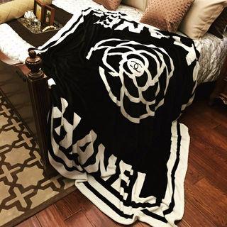 柔らかい毛布 ブランケット 黒カメリア柄
