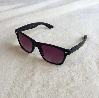 ASOS未使用ブラックフレームサングラス