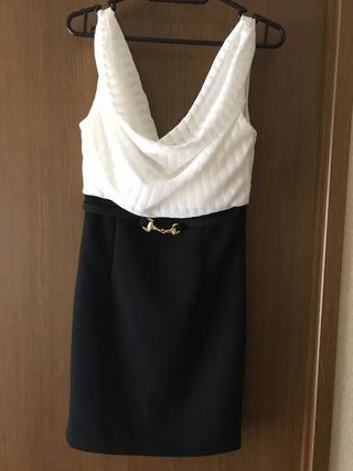 タイトドレス