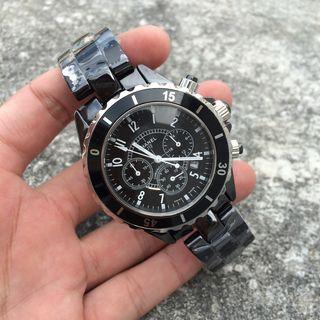 人気腕時計 シャネルJ12 クオーツ 直経42mm