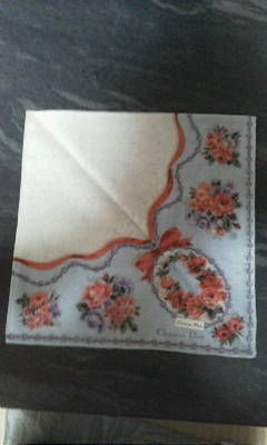 ディオールブルー系リボンと花柄ハンカチ