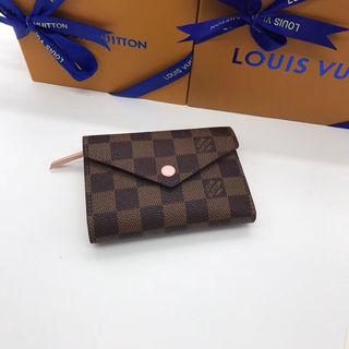【新品】 国内発送LouisVuitton長財布