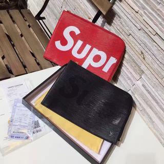 シュプリーム SUPPREME クラッチバッグ 2色