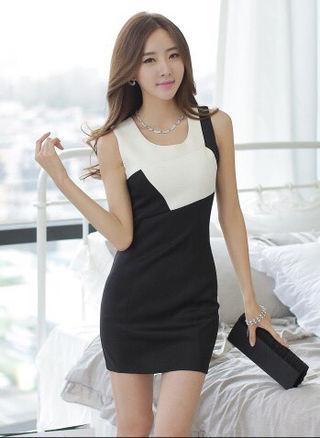白 黒 シンプル ノースリーブ ミニ タイト ドレス