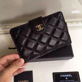 可愛い美品 シャネル レディース 2つ折短財布 ブラック