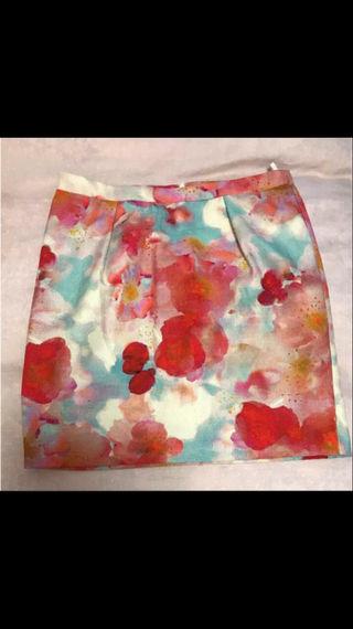 未使用 イタリア BENETTON ベネトン 花柄スカート