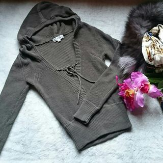 新品!ミッシェルクラン胸あき×パーカーニットセーター