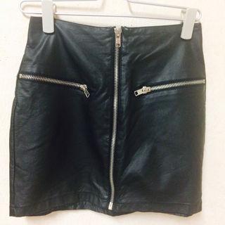 レザータイトスカート