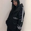Adidas人気新作 素敵なジャケット 着用でカッコイイ