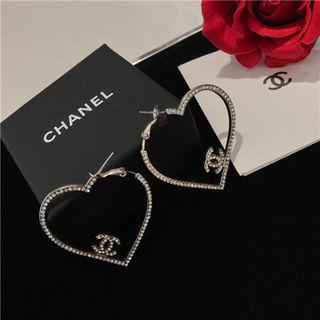 Chanelシャネル可愛いピアス 人気 プレゼント
