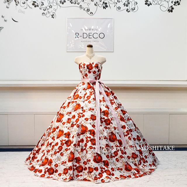ウエディングドレス(パニエ無料) 赤い花柄ドレス