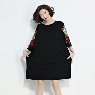 大きいサイズ綿ゆったり刺繍ワンピース