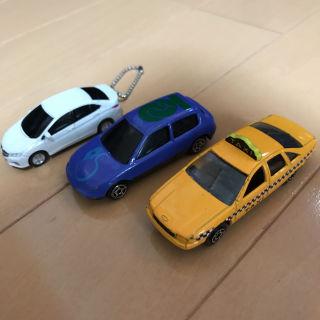ミニカー3点セット 白はホンダ、キーホルダー型