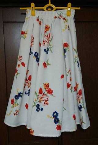 美品   花柄スカート