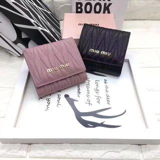 miumiu 可愛い美品 人気短財布 ブラック/ピンク