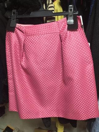 新品のスカート