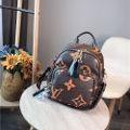 ヴィトン鞄斜め掛け リュックバック 鞄