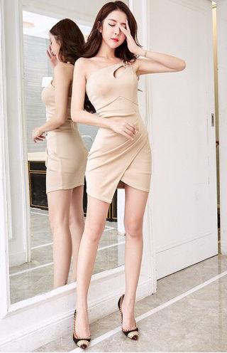 ベージュミニ  タイト ワンピース ドレス