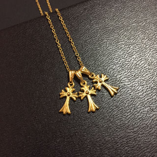 トリプル クロス 十字架 小 ネックレス ゴールド