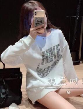 秋冬新作Tシャツ