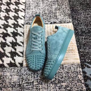 ルブタン靴スニーカー高品質佐川で発送