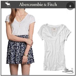新品アバクロ白Tシャツ