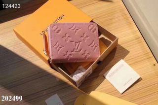 国内発送 注目された美品。新作財布
