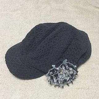 ブラックレースモチーフ付き帽子