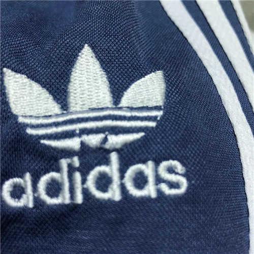 4459スポーツ風 子供服上下セット 4色