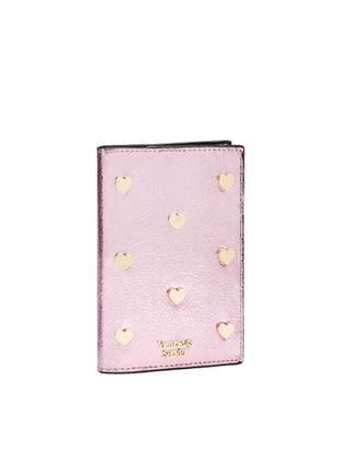 パスポートケース「新品」ヴィクシー ピンク