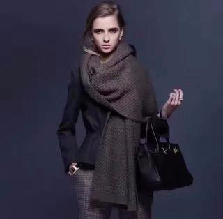 【ボッテガ・ヴェネタ】御洒落 暖かい男女兼用スカーフ