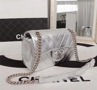 超人気爆発 Chanel 国内発送