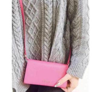 FURLA最新作iPhoneケース財布bag定価3万