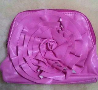 ピンクのお花のポーチ
