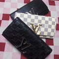 新型二つ折り長財布・各1点