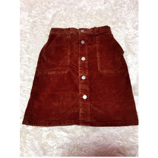 茶色タイトスカート