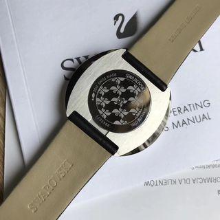 Original SWAROVSKI シャレな腕時計