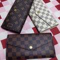 V型・二つ折り長財布・各1点
