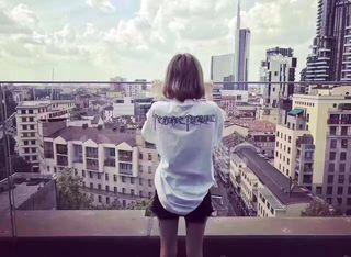 バレンシアガ  Tシャツ  男女兼用