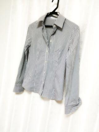グレーストライプシャツ