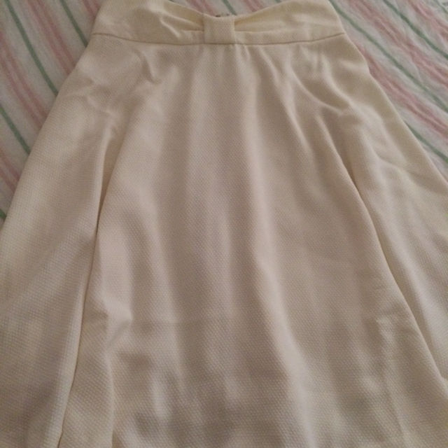 イングのリボン付きスカート